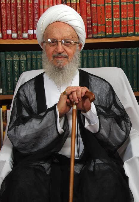 فتوای جنجالی آیت الله مکارم شیرازی برای برداشتن حجاب دخترها در دانشگاه